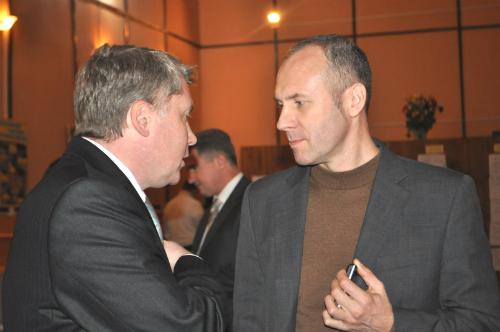 Петро Заарченко (Праворуч)